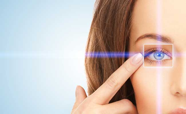 Patients in Laguna Hills, CA discover the benefits of laser surgery for eye cataract treatment