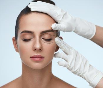Best Cosmetic Eyelid Surgery in Laguna Hills, CA